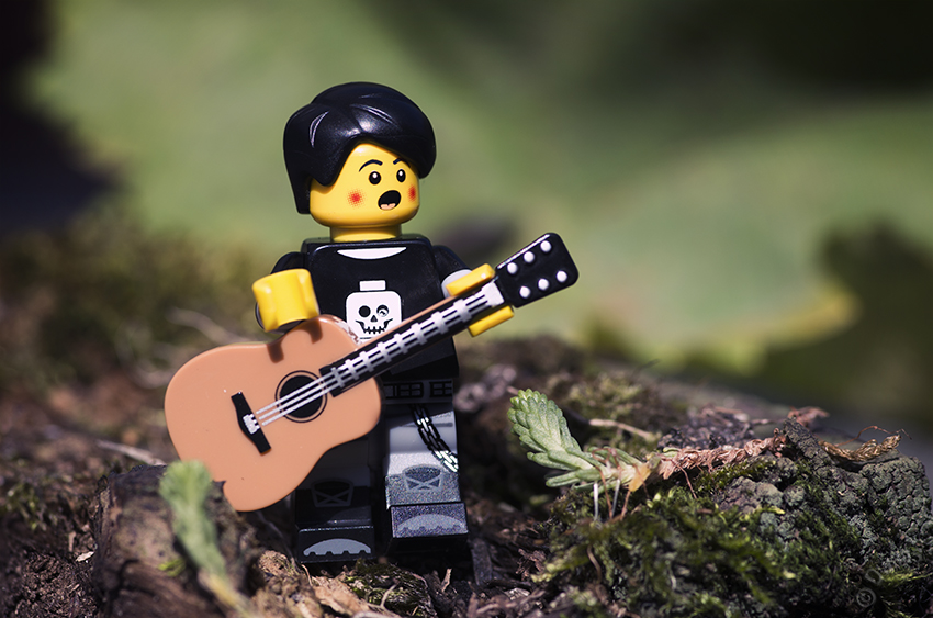 Emo boy lego singing guitar