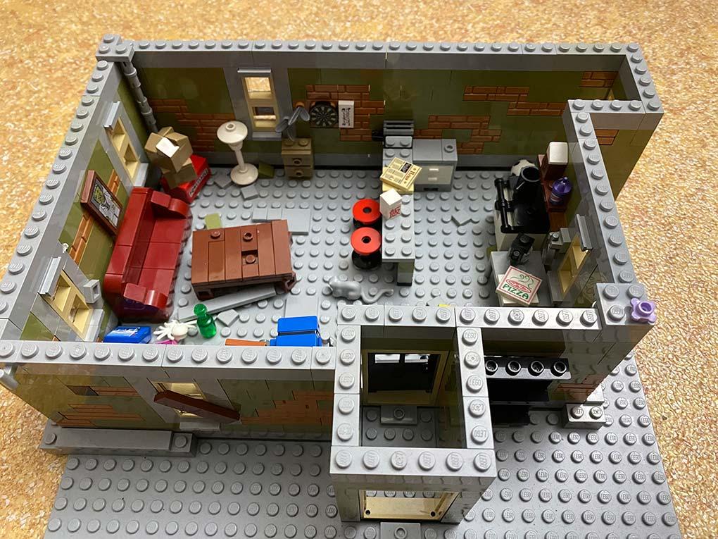 Lego-frankenstein-house-scene-moc-comic-1