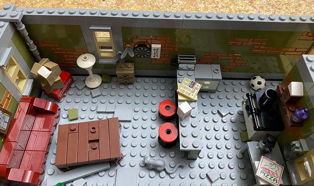 Lego-frankenstein-house-scene-moc-comic-3
